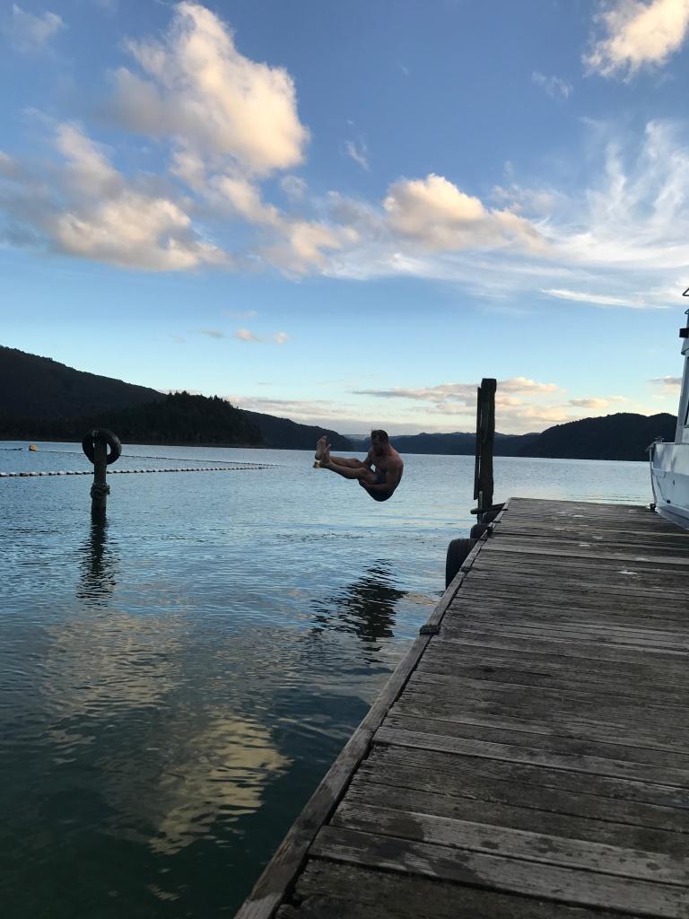 Mānu- The Float Room – stagryan